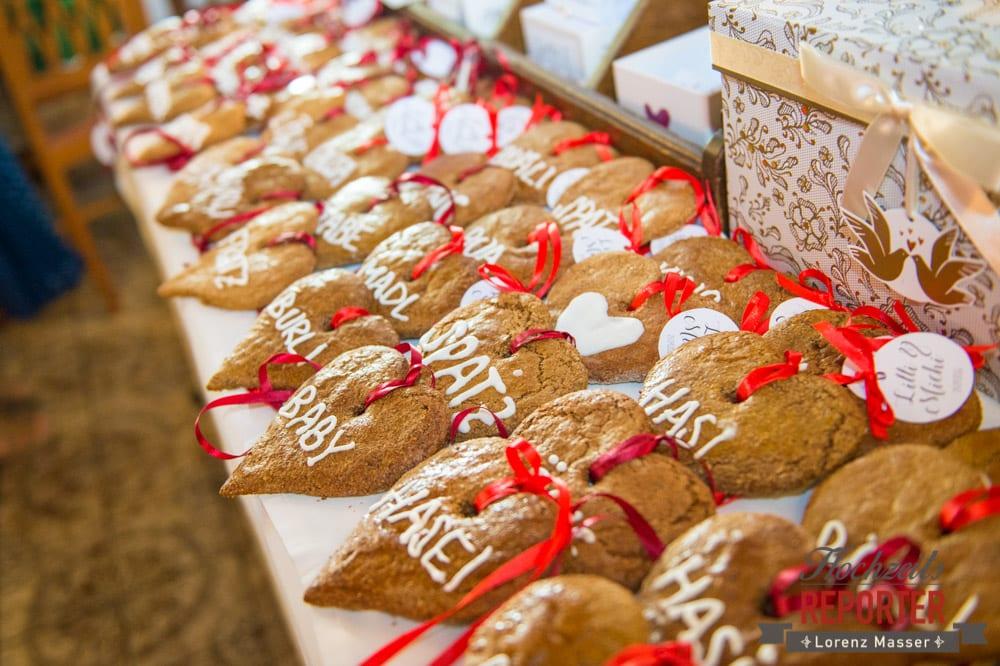 Lebkuchenherzen bei Hochzeit als Tischdeko, Hochzeit, Hochzeitsfotograf, Altenmarkt, Land Salzburg, Lorenz Masser
