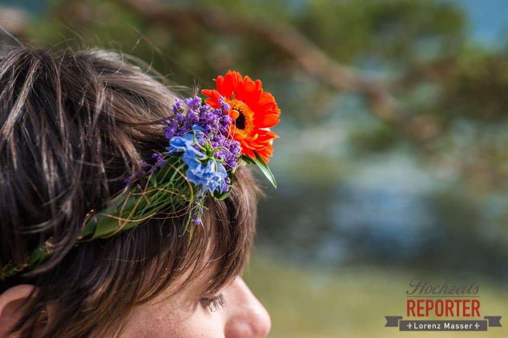 Haarschmuck, Hochzeitsfrisur, Blumen im Haar, Hochzeitsfotograf, Fotoshooting, Steiermark, Grundlsee
