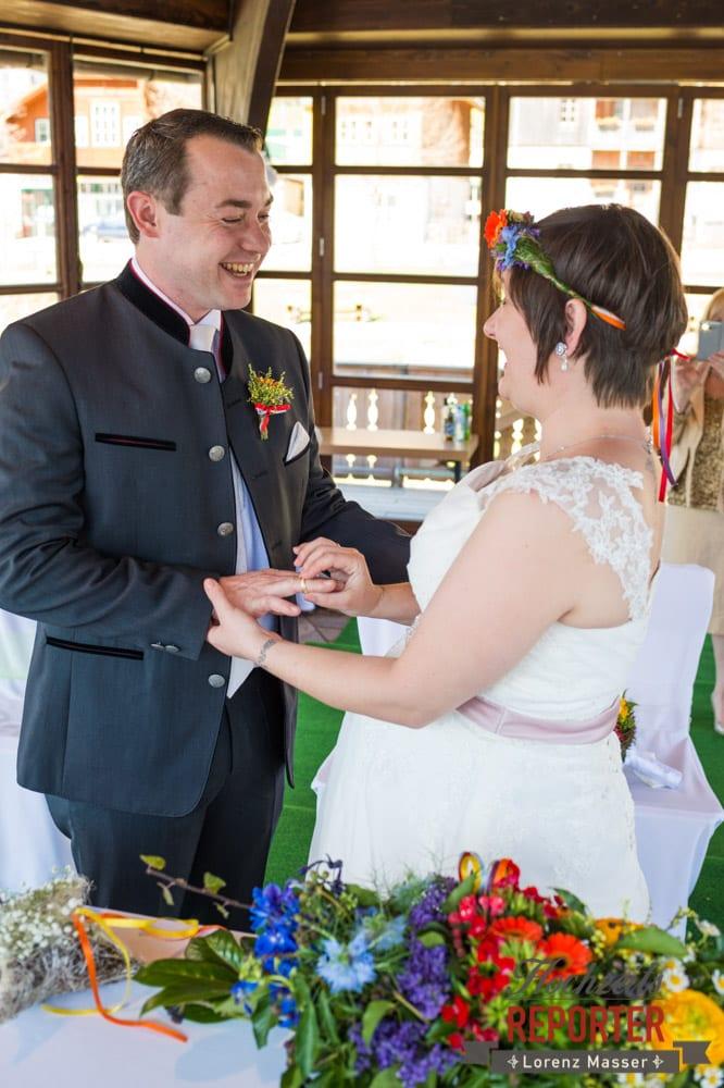 Übergabe der Ringe, Tausch der Ringe, Fotograf, Hochzeitsfotograf, Fotoshooting, Steiermark, Grundlsee, Fotograf Land Salzburg