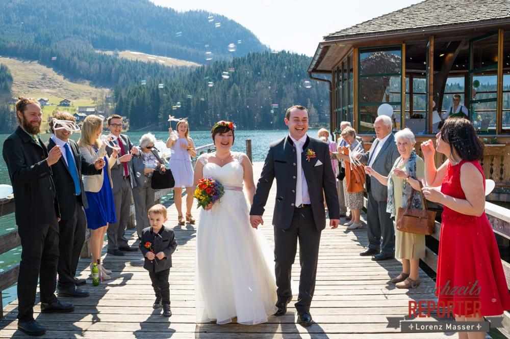 Seifenblasen bei Hochzeit, Trauung, Fotograf, Hochzeitsfotograf, Fotoshooting, Steiermark, Grundlsee, Fotograf Land Salzburg