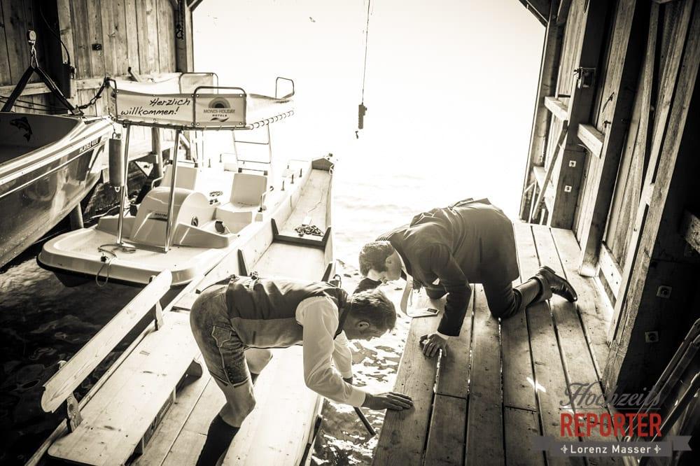 Boot anlegen, Selbst Hand anlegen, Mithelfen, Hochzeit, Fotograf, Hochzeitsfotograf, Fotoshooting, Steiermark, Grundlsee, Fotograf Land Salzburg
