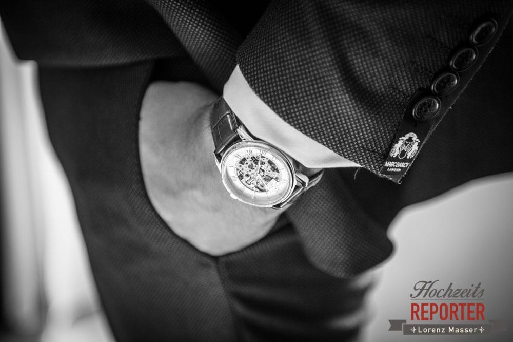 Uhr im Detail mit Anzug, Hochzeit, Hallstatt, Heritage Hotel, Hochzeit, Hochzeitsfotograf, Fotograf Land Salzburg, Lorenz Masser