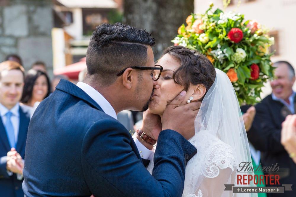Kuss bei Trauung, Heritage Hotel, Hochzeit, Wedding, Hochzeitsfotograf, Fotograf Land Salzburg, Lorenz Masser