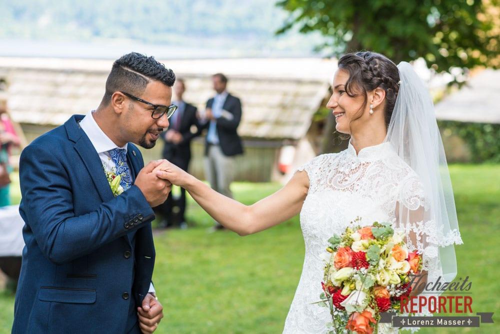 Handkuss für die Braut, Heritage Hotel, Hochzeit, Wedding, Hochzeitsfotograf, Fotograf Land Salzburg, Lorenz Masser