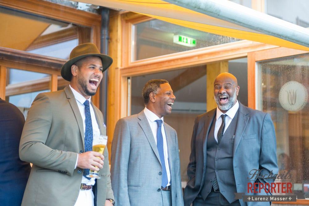 Laughing people at wedding, Heritage Hotel, Hochzeit, Wedding, Hochzeitsfotograf, Fotograf Land Salzburg, Lorenz Masser