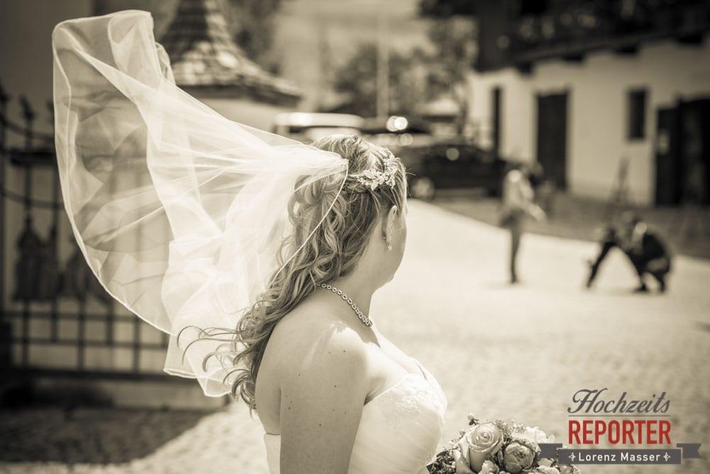 Schleier weht im Wind, Braut, Hochzeit, Hochzeitsfotograf, Land Salzburg, Leogang, Asitz