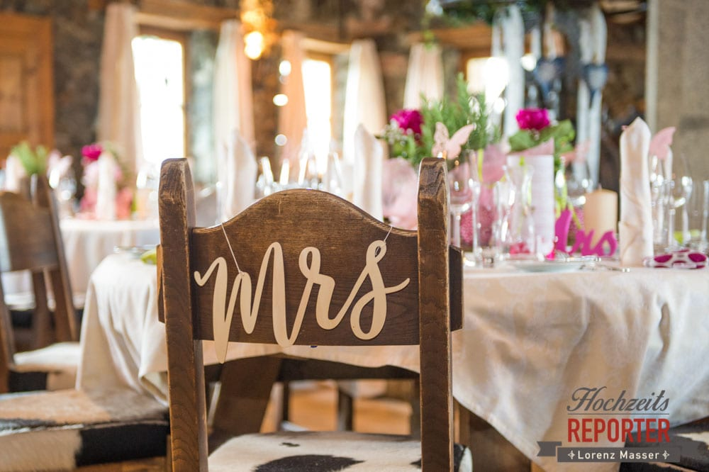 Kreative Dekorationen bei einer Hochzeit, Pinke Dekoration,  Hochzeit, Hochzeitsfotograf, Land Salzburg, Leogang, Asitz