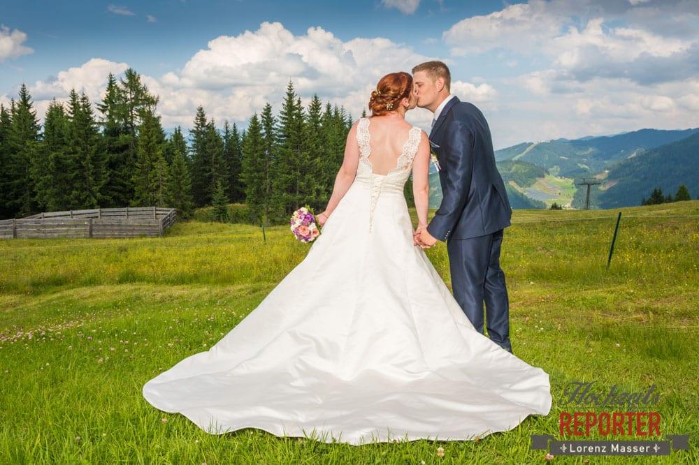 Kuss auf Berg, Lisa Alm, Hochzeit, Wedding, Hochzeitsfotograf, Land Salzburg, Lorenz Masser