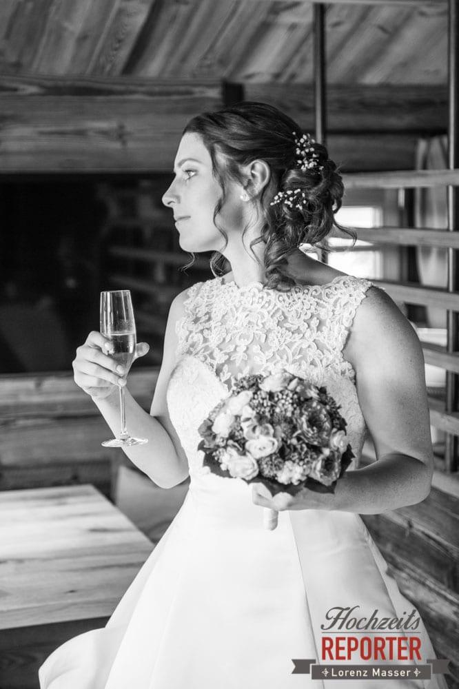 Braut, Getting Ready, Lisa Chalet, Flachau, Hochzeit, Wedding, Hochzeitsfotograf, Land Salzburg, Lorenz Masser