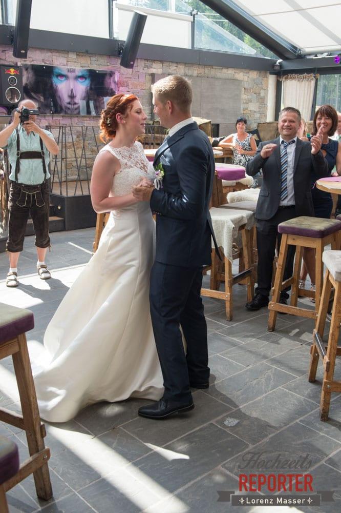 Eröffnungstanz, Brautpaar, Lisa Alm, Flachau, Hochzeit, Wedding, Hochzeitsfotograf, Land Salzburg, Lorenz Masser